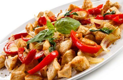 Il pollo con peperoni alla romana della Sora Lella