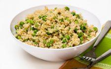 Come preparare la quinoa con piselli e tonno