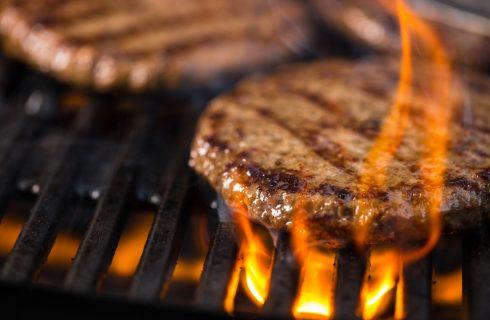 Tradotto per voi: 12 errori quando si cucinano gli hamburger alla griglia