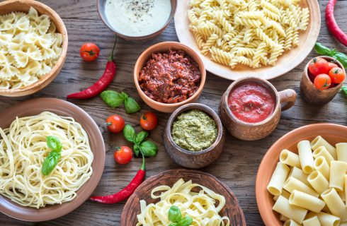 11 pesti creativi per condire la pasta in ogni stagione