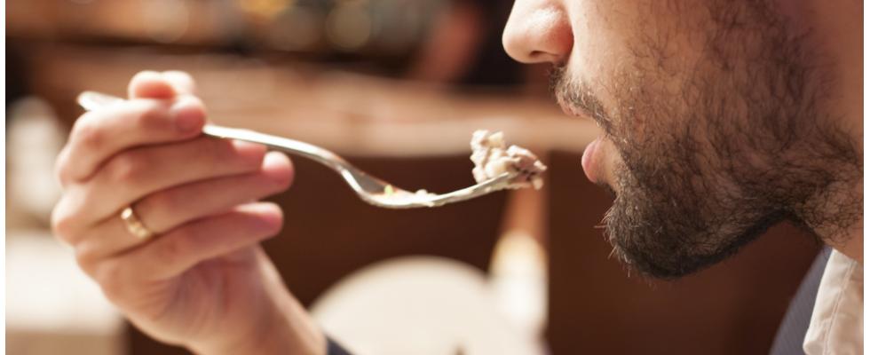 Tradotto per voi: 8 cibi che possono farti star male al ristorante