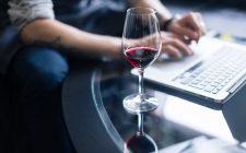 Il vino italiano si valorizza online