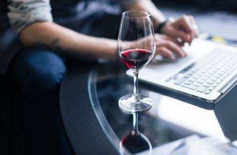 Il vino italiano si valorizza online, soprattutto su Instagram