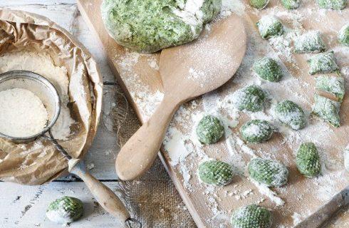 Gnocchi di pane e spinaci, la ricetta facile