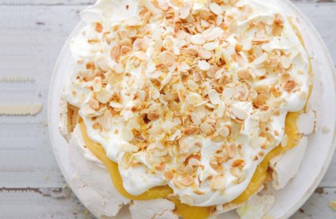 La ricetta della torta pavlova al limone di Nigella Lawson