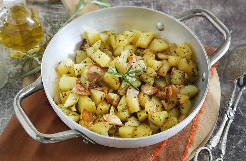 Funghi porcini e patate in padella: contorno vegano veloce
