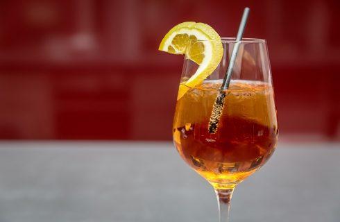 Vodka redbull, dosi per preparare l'aperitivo estivo