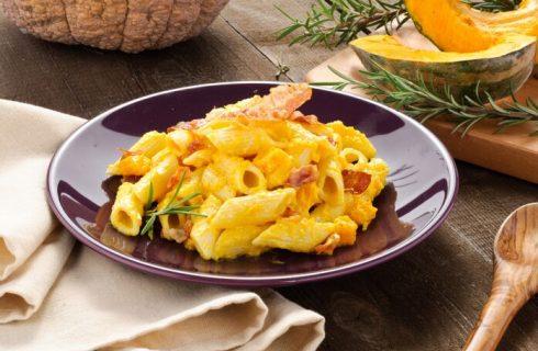 Pasta con zucca pancetta e panna, la ricetta autunnale