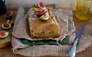 Plumcake con fichi e prosciutto: per il brunch