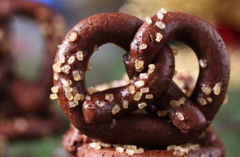 La ricetta dei pretzel dolci al cioccolato