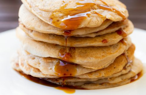 Riuscireste a mangiare 50 cm di pancakes?