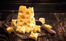 Perché il formaggio svizzero ha i buchi?