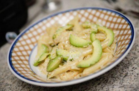Strozzapreti avocado e zucchine, la ricetta di Benedetta Parodi