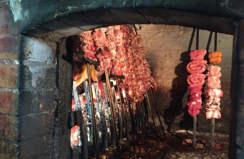 Tradizioni pugliesi: dove mangiare la carne al fornello