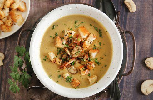 Zuppa tedesca con patate e funghi: Kartoffelsuppe per l'inverno