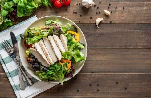 La ricetta dell'insalata di pollo lesso e patate