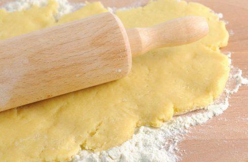 La ricetta della pasta frolla salata con parmigiano