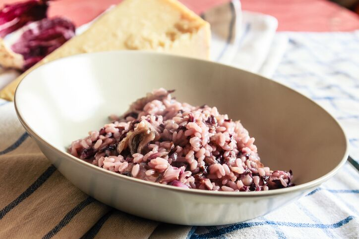 La ricetta del risotto topinambur e radicchio