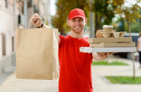 Delivery: nonostante il poke, in Italia preferiamo ancora la pizza