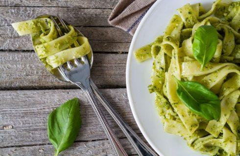 Tagliatelle integrali con pesto di pistacchi, la ricetta di Marco Bianchi
