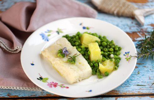 Merluzzo con piselli e patate: per cena