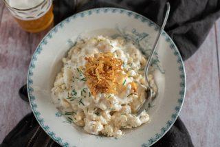 Spätzle con formaggio e cipolla fritta: un primo calorico della cucina tedesca