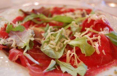Carne salada: 8 ricette trentine per scoprire come si mangia
