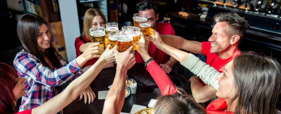 Cos'è il pub crawl, il giro dei pub, e perché sarà vietato