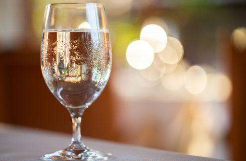 L'Idrosommelier consiglia: quale acqua per i piatti di Natale?