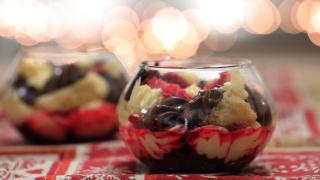 Zuppa inglese con pandoro: la video ricetta per Natale