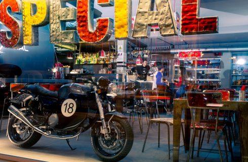 Su due ruote: i locali preferiti dai biker in Italia