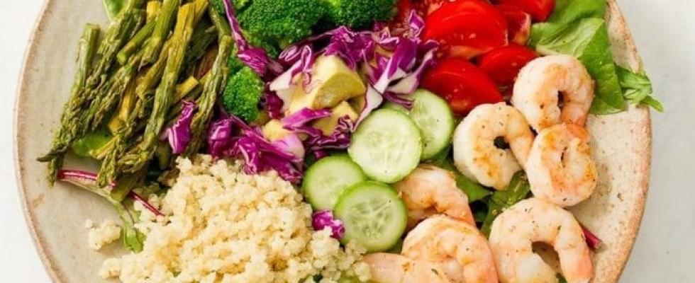 Il volume eating è la dieta che vi fa mangiare di più