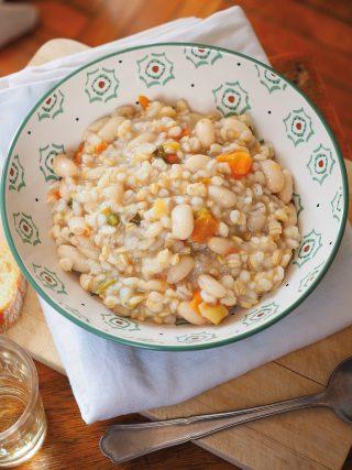 Zuppa di orzo con fagioli, carote e zucchine al bimby