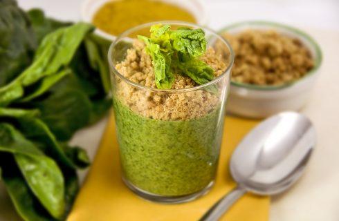 Zuppa di spinaci con crumble