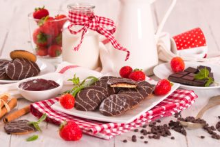 Biscotti cioccolato e fragole