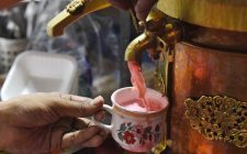 Kashmiri Chai: il tè si tinge di rosa