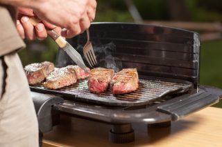 Bistecchiera elettrica: 5 modelli per risultati da barbecue