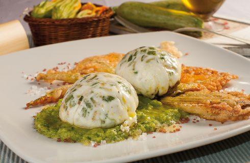 Uova farcite alle zucchine con fiori croccanti