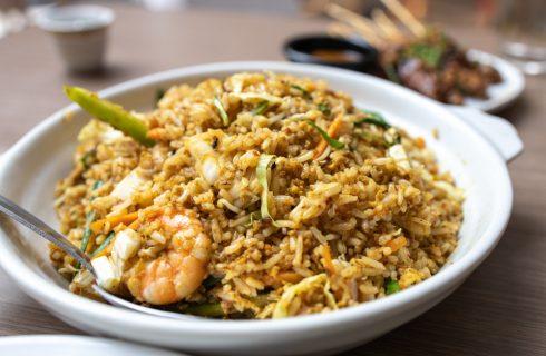 Nasi goreng, dall'Indonesia