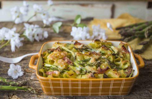 Pasta al forno con asparagi e prosciutto cotto