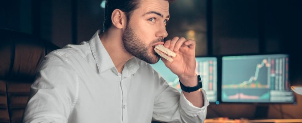 Vita forzatamente sedentaria? Ecco come rimediare a tavola