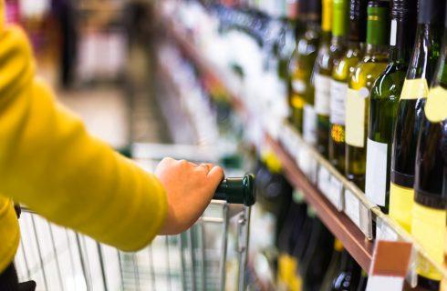 Bere bene anche al supermercato: i consigli degli esperti