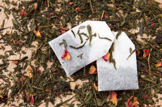 Meglio il tè in bustine o il tè in foglia?