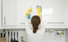Guida alle pulizie di primavera in cucina
