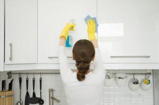 Pulizie di primavera in cucina: 7 consigli utili per organizzarsi
