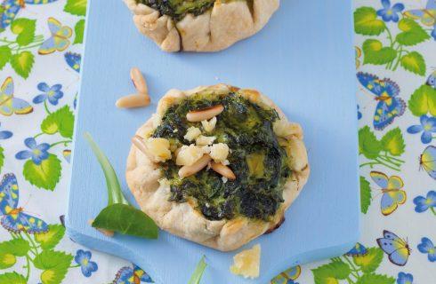 Tortine salate con spinaci, pinoli e formaggio al bimby