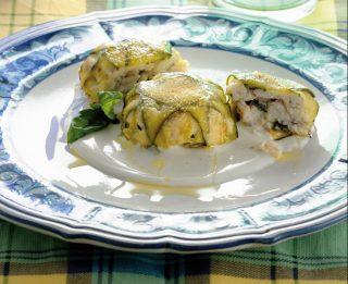 Tortino di zucchine e dentice su purea di ricotta salata