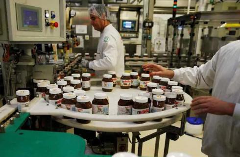Ferrero dona 10 milioni e premia i dipendenti