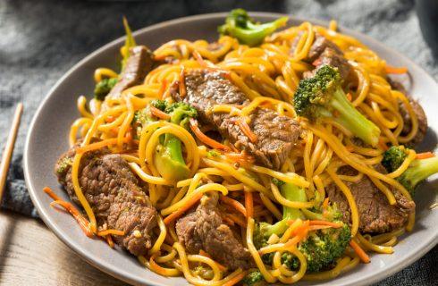 Lo Mein: spaghetti cinesi