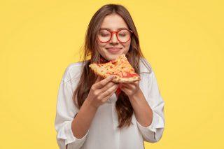 Stare bene mangiando: i cibi che fanno bene all'umore